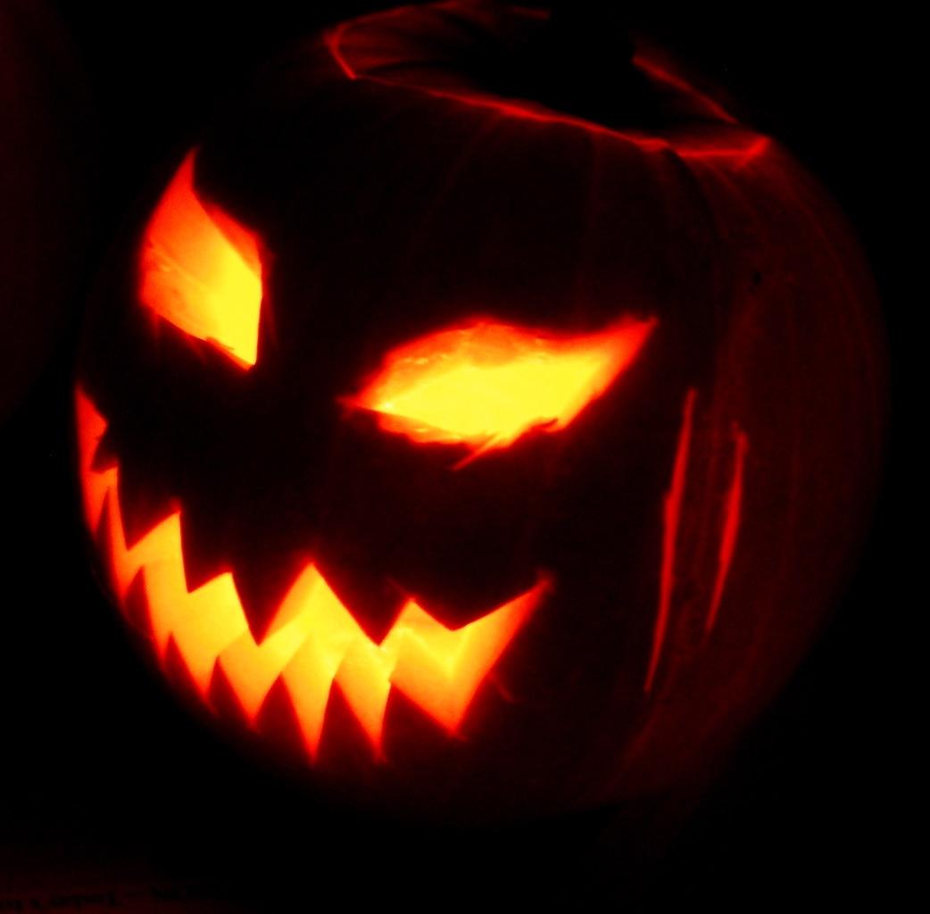 scary looking Jack-o'-Lantern